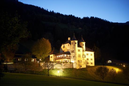Schlössl Weitmoser: Romantische Stimmung im Gasteinertal