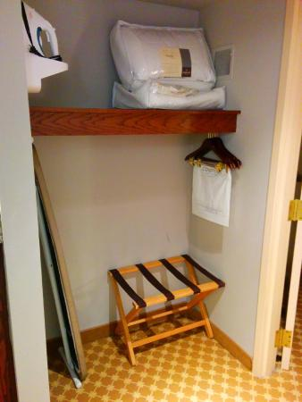 Country Inn & Suites By Carlson, Gettysburg: Closet