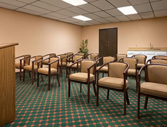 Travelodge Inn and Suites Muscatine: Meeting room