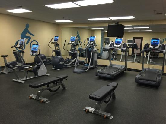 The Lincoln Marriott Cornhusker Hotel: 24-hour gym on the lower level of the hotel