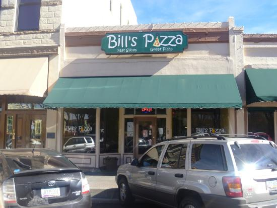 Bill's Pizza: We love taking pics of memorable meals in the USA