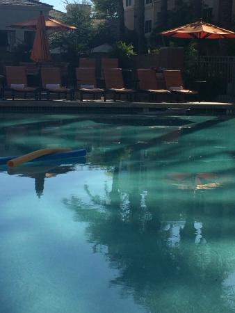 Gainey Suites Hotel: pool area