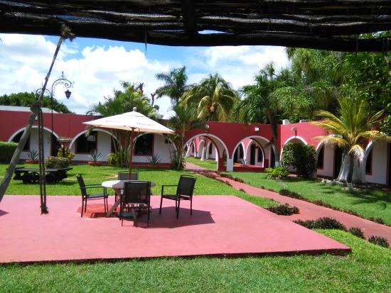 Hotel Hacienda Inn: zonas comunes terraza