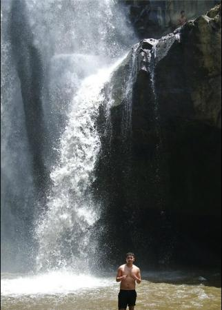 Dewa Bali Tour - Day Tours : Awesome Waterfall Picture!