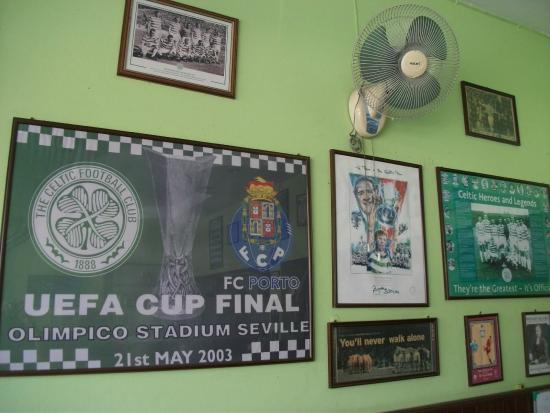 The Celtic Inn Guesthouse: Memorablia on walls
