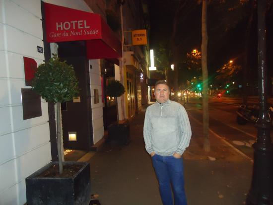 Libertel Gare du Nord Suède : Em frente ao Hotel