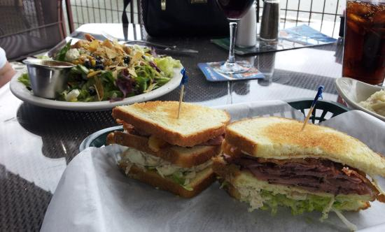 Holiday Inn Express Hotel & Suites Rockport / Bay View: great food in local restaurants