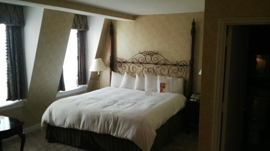 The Georgetown Inn: Foto de la cama matrimonial