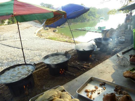 Yangmei Ancient Town: Fried snacks