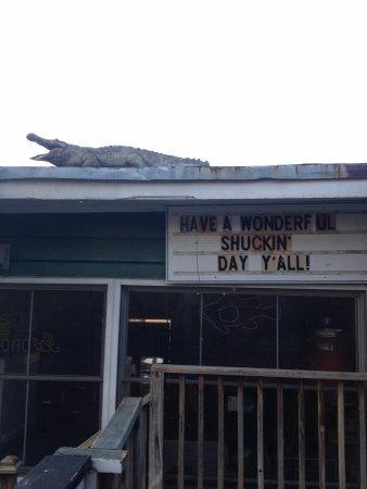 Shem Creek Bar & Grill: Entrance Sign