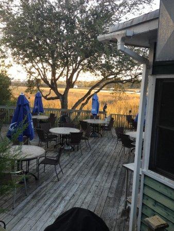 Shem Creek Bar & Grill: Outdoor view