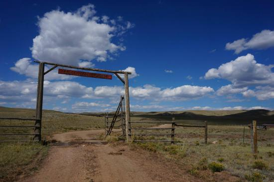 Entering Badger Creek Ranch