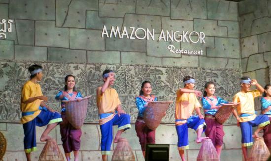 Amazon Angkor : Coconut dance