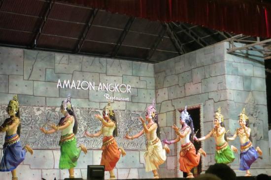 Amazon Angkor : Court dance