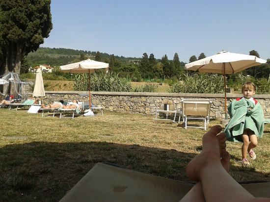 Hotel Villa Stanley: relaxing near the pool