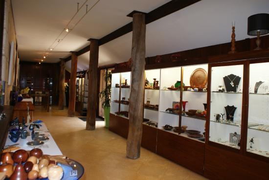 John Streater Fine Furniture Gallery: An assortment of WA handmade items