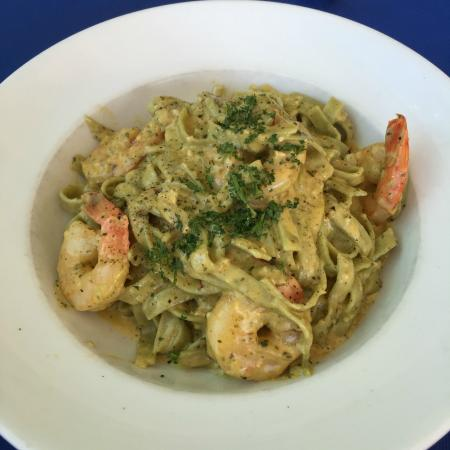 George's Paragon Seafood Restaurant Coolangatta: Chilli Prawn Fettucine