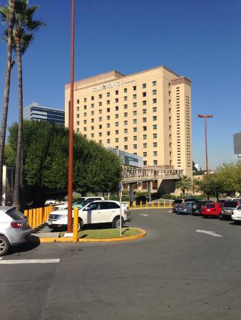 Four Points by Sheraton Galerias Monterrey : Puente a la plaza