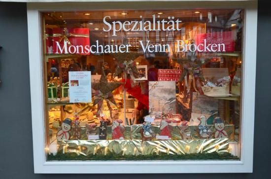 Cafe Kaulard: Wonderful bakery and cake shop beneath cafe