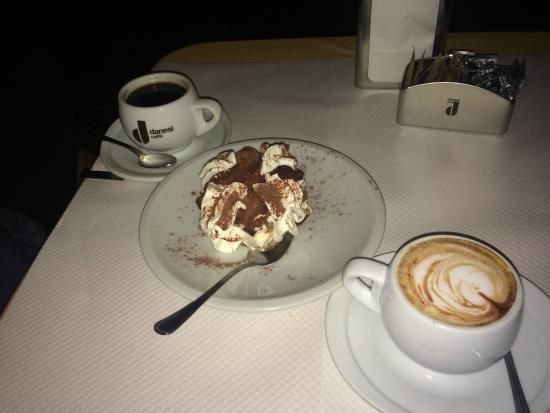 Papa's Cafe: Tiramisu and cappucino