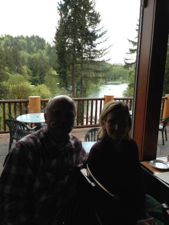 Stone Cliff Inn: Look at the view of the Clackamas River, not us.