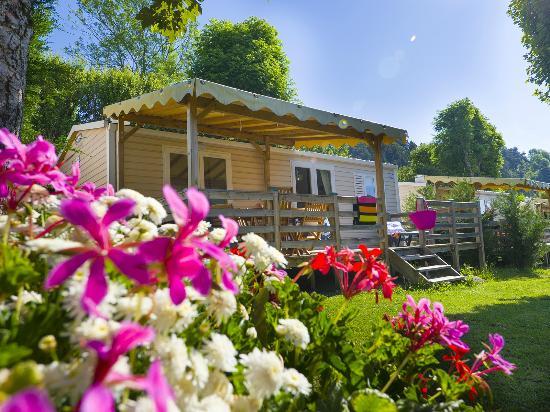 LE PRE BAS - Picture of Yelloh! Village Le Pre Bas, Chambon-sur-Lac ...