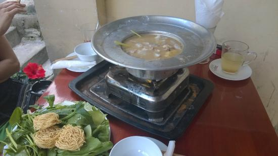 Tu Anh's Peace Cafe: Seafood Hot Pod - very good