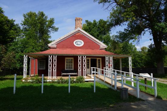 Maison du médecin - Picture of Upper Canada Village, Morrisburg ...