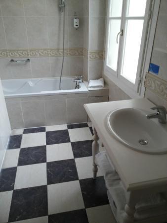 Hotel d'Aragon: salle de bains Henry James