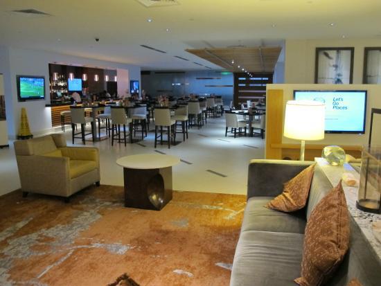 Sheraton Dallas Hotel by the Galleria: Nice bar area