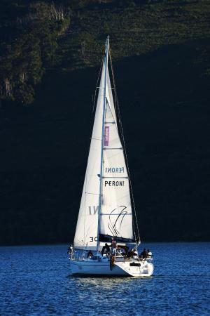 Springtide Sailing Charters: Sailing across the Knysna Estuary
