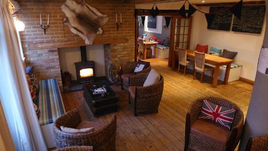 The White Cliffs Hotel: The Bar