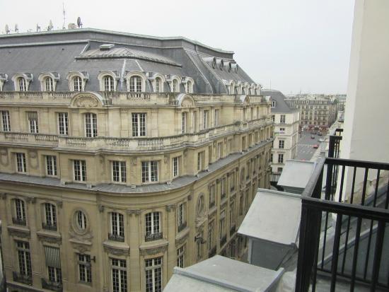 Vista Dalla Camera - Picture Of Hotel Du Triangle D U0026 39 Or  Paris