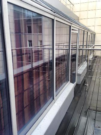 Red Stars Hotel: Небольшой балкончик