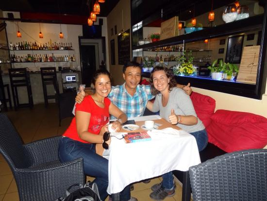 Red Sky Bar & Restaurant: Mr Cong, thank you so much for making our day! Delicious food and great conversation!!