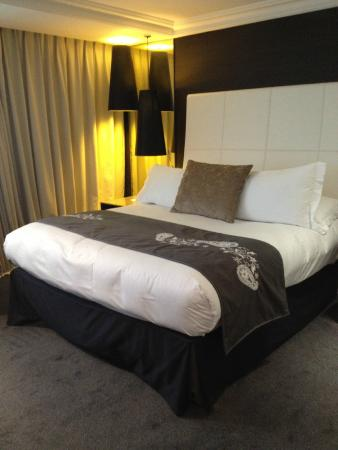 Lit king size l 39 am ricaine picture of intercontinental ma - Lit king size 180x200 ...