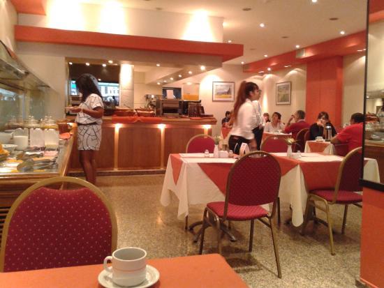 Hotel Globales Republica Wellness & Spa: café da manhã ( local)