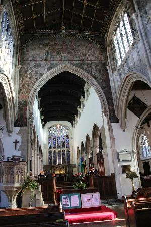 Salisbury City Guides: St Thomas's Church interior