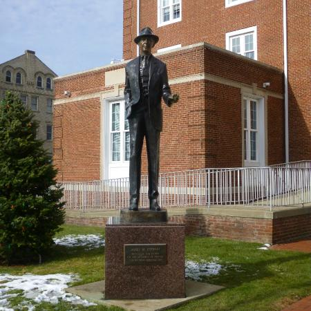 James M. Stewart Museum: Jimmy in front of city hall