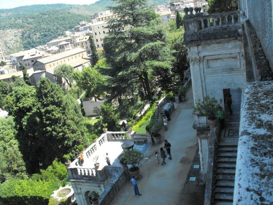 Villa D\'Este - Picture of Tivoli Tours - Villa D\'Este - Hadrian\'s ...
