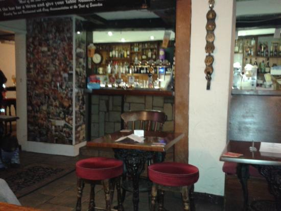 Cwellyn Arms: The bar area