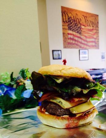 Big Dawg Sandwiches: Buffalo Burger Big Dawg style!
