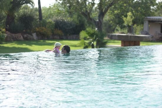 Agroturismo Can Gall : Enjoying the infinity pool.