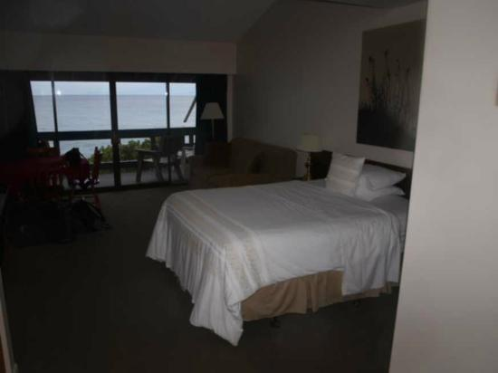 Sand Pebbles Inn: Bedroom