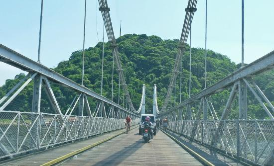 Suspension Bridge: Atravessando a Ponte