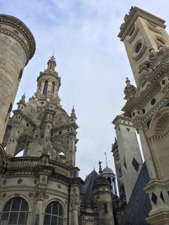 Riverloire - Loire Valley Day Tours : Rooftop at Chambord