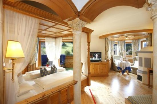 Hotel Sonnenhof - St Vigil in Enneberg, Dolomiten: Suiten