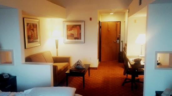 BEST WESTERN PLUS Rockwall Inn & Suites: good size and vaulted ceilings