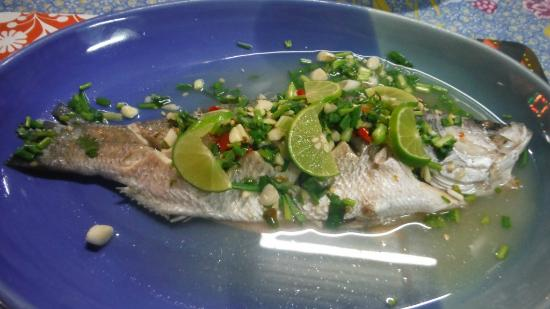 Kwong Shop Seafood: sea-bass steamed