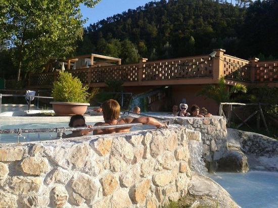 Acque alcaline foto di terme di sant 39 egidio terme di - Suio terme piscine ...